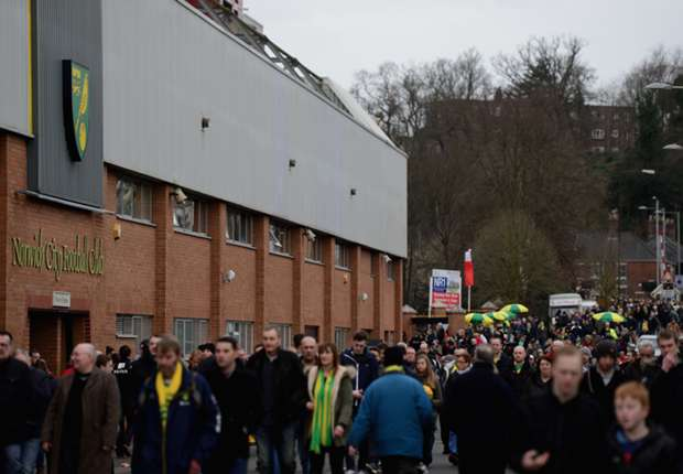 Norwich players to repay fans' Swansea costs