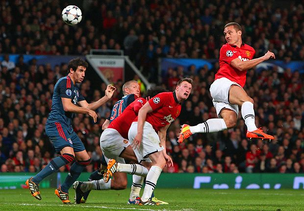 Vintage Vidic helps Man Utd answer Moyes rallying cry