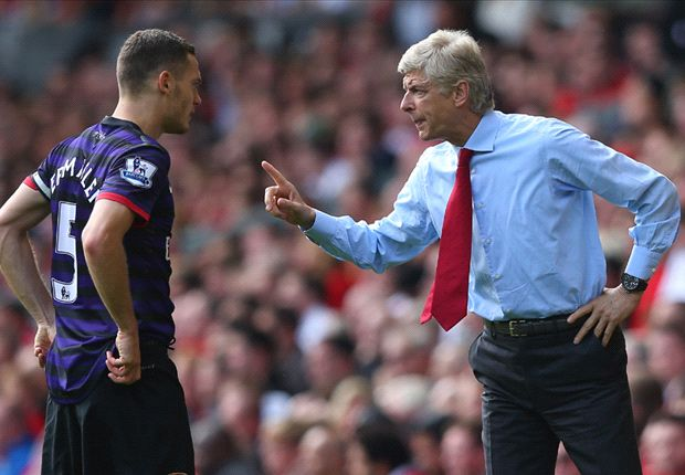 Vermaelen agent admits Napoli interest but puts transfer talks on hold