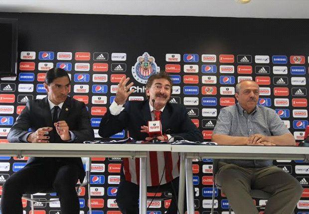 Ricardo La Volpe dirigió primera práctica con Chivas
