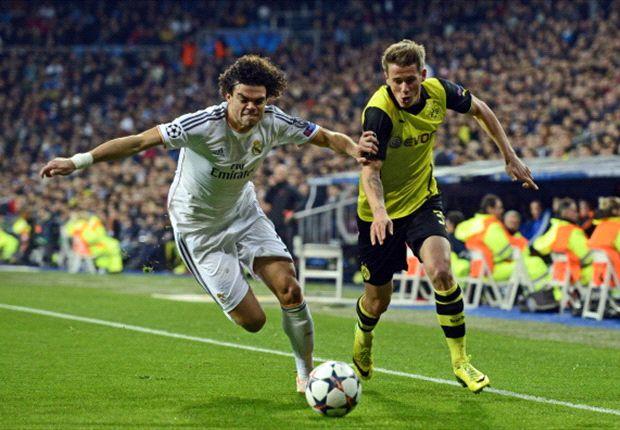 Pepe junto a Durm en el partido de Champions frente al Dortmund