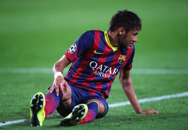 Scolari: Barcelona's formation is holding Neymar back