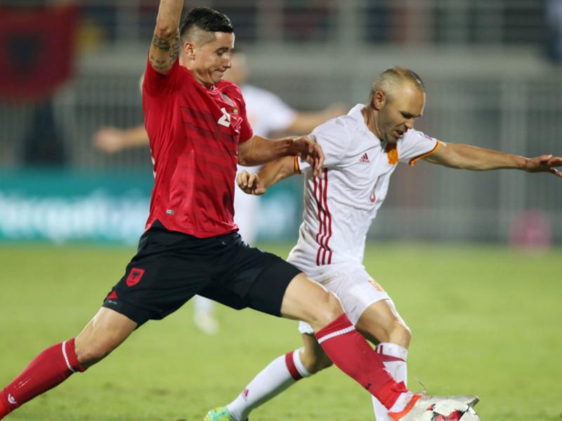 Albanie - Espagne 0-2, la Roja sans forcer