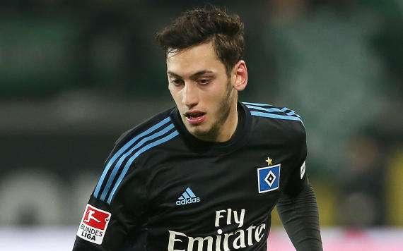Verlässt Hakan Calhanoglu den Hamburger SV in Richtung Ausland?