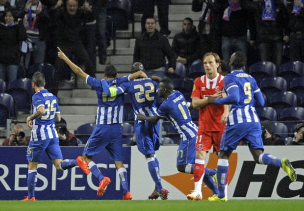 Porto 1-0 Sevilla: Mangala gives hosts the advantage