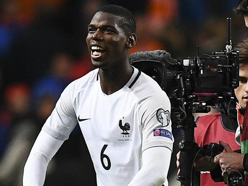 VIDÉO - Bleus, la danse de la victoire de Paul Pogba