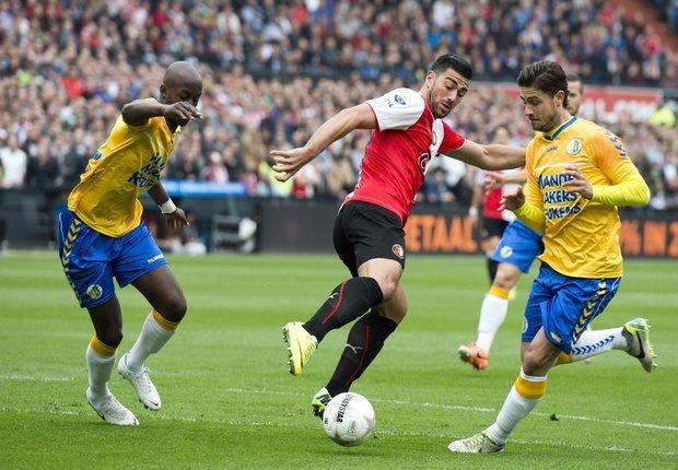 Feyenoord verstevigt tweede plek