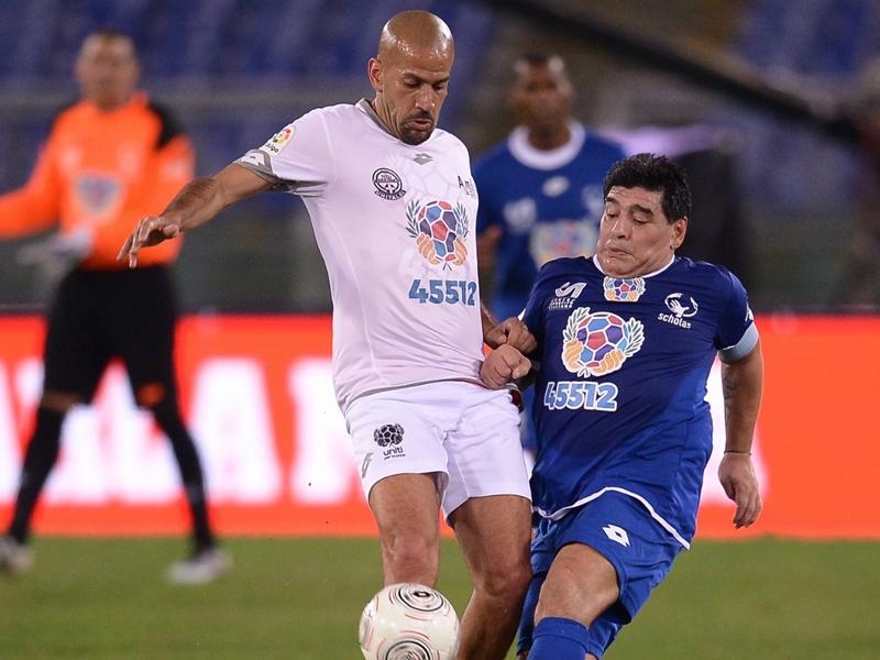 """Maradona et Veron ont failli se battre lors d'un match """"pour la paix"""""""