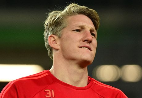 Schweinsteiger left out of team photo