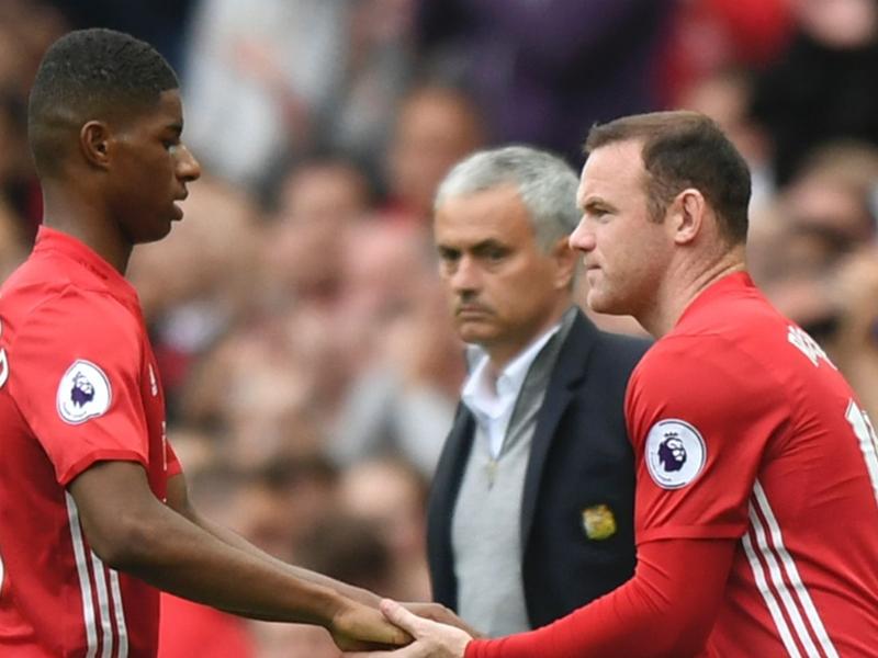 Manchester United, Ibrahimovic prend la défense de Rooney