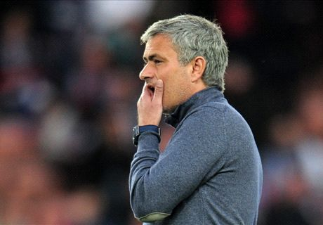 Mourinho breaks Ferguson's CL record