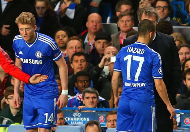 Chelsea winger Hazard plays down calf injury
