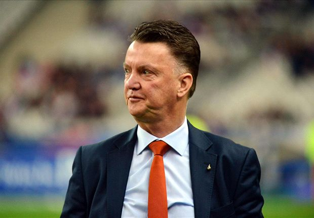 Tottenham wait on Van Gaal decision