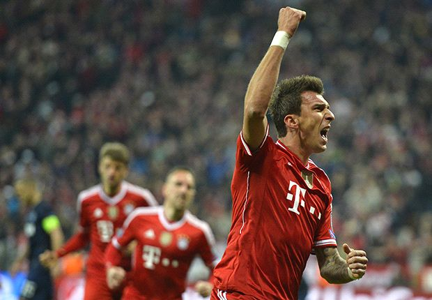 Bayern Munich 3-1 Manchester United (Agg 4-2): Evra wonderstrike not enough as Red Devils crash out