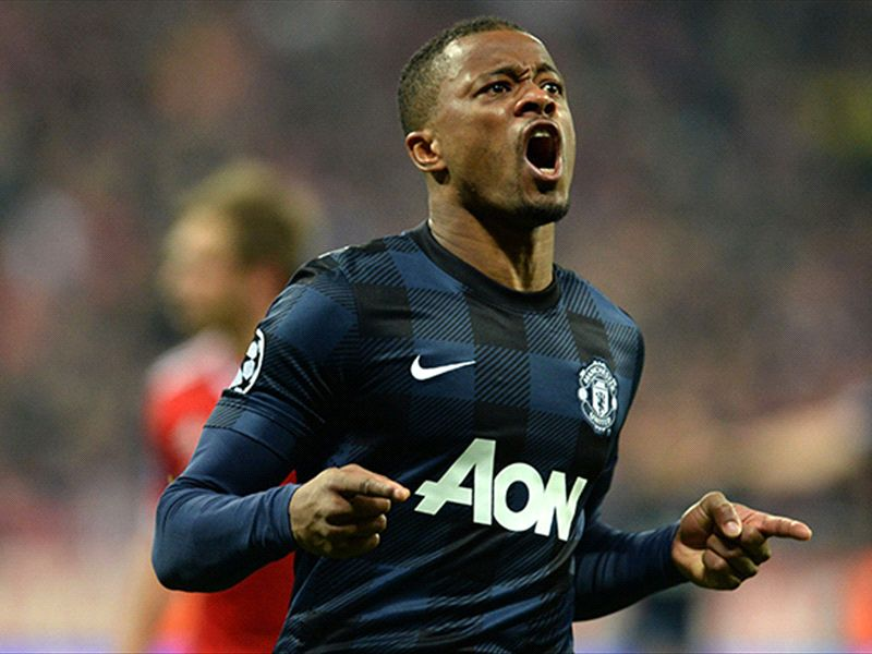 Manchester United plan final round of Evra contract talks