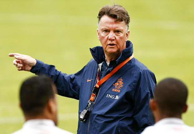 Van Gaal 'very keen' on Manchester United job