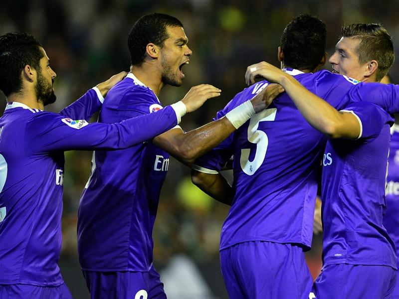 Betis-Real Madrid 1-6: I blancos giocano a tennis e tornano primi