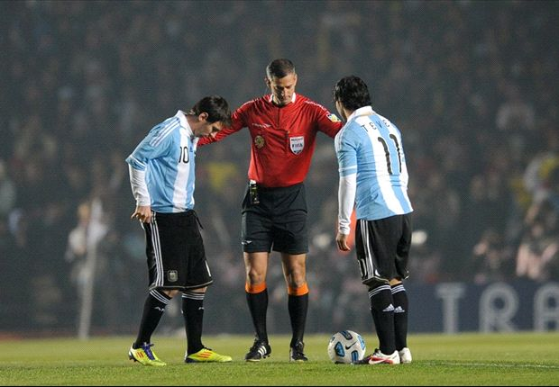 Tevez: I don't have any problems with Messi