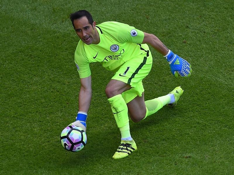Manchester City, la presse anglaise sans pitié avec Claudio Bravo