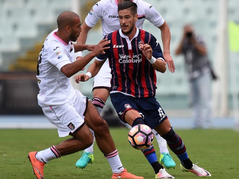 Falcinelli flash in Sassuolo-Crotone: goal più veloce della Serie A