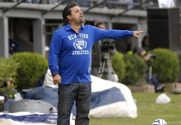 """""""No pueden pagarme y decidimos rescindir el contrato"""", explicó Caruso."""