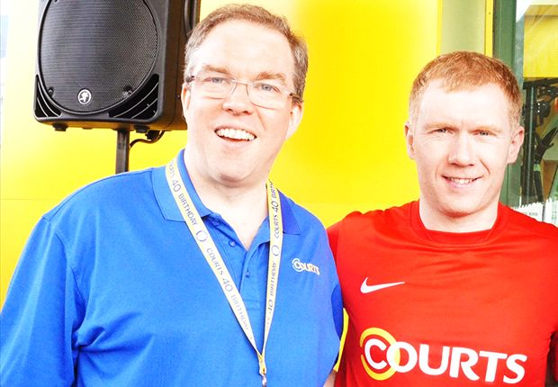 O'Connor (left) with another headlining Courts guest Paul Scholes