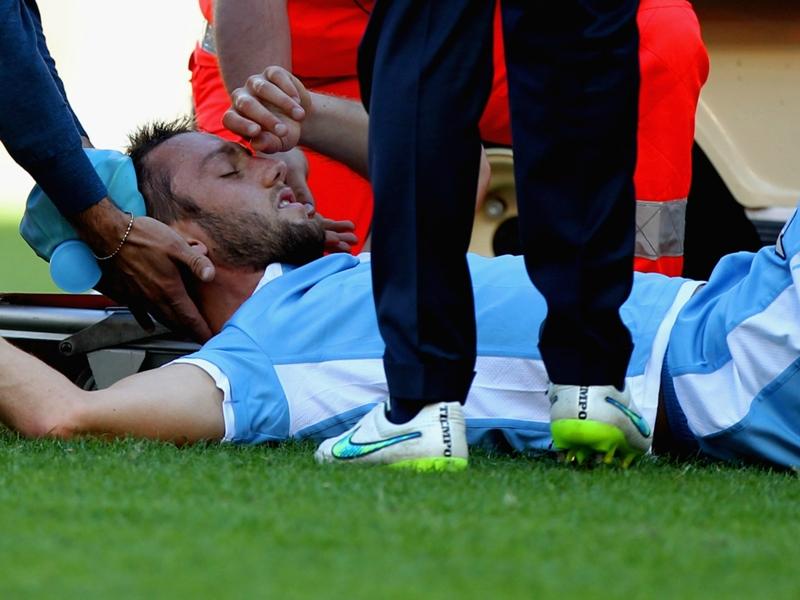 Guaio Lazio, De Vrij ko in allenamento: si teme una frattura al metatarso