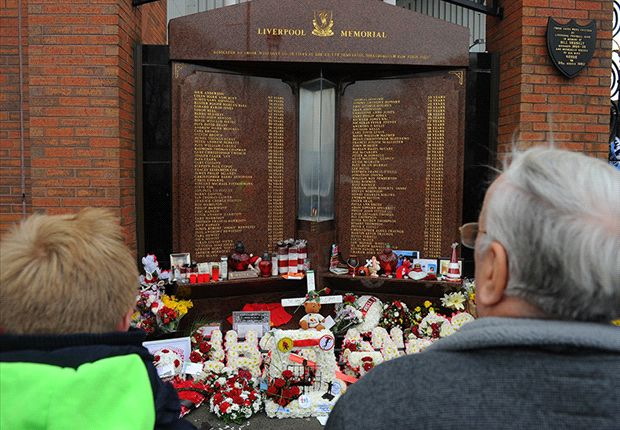 Manchester United lead clubs' Hillsborough tributes to Liverpool