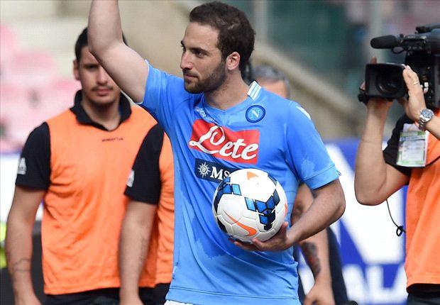 El Pipita Higuaín le hizo tres goles a Lazio.