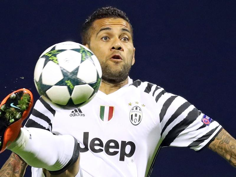 Juventus, Daniel Alves sorti sur civière