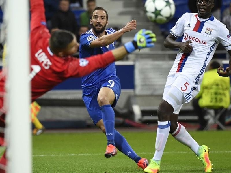 Lione-Juventus 0-1: Buffon e Cuadrado avvicinano gli ottavi