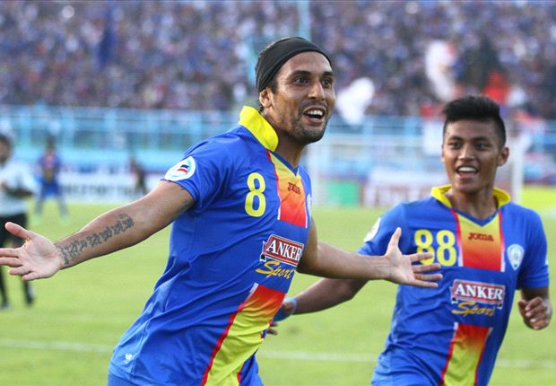 Gustavo mencetak gol tunggal kemenangan Arema atas Persija.