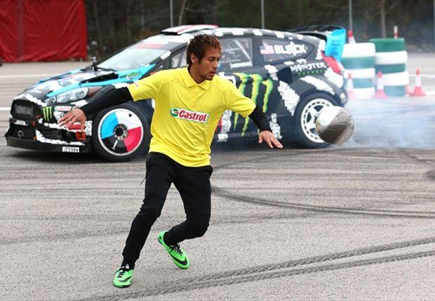 Neymar demostró su habilidad contra un auto de rally