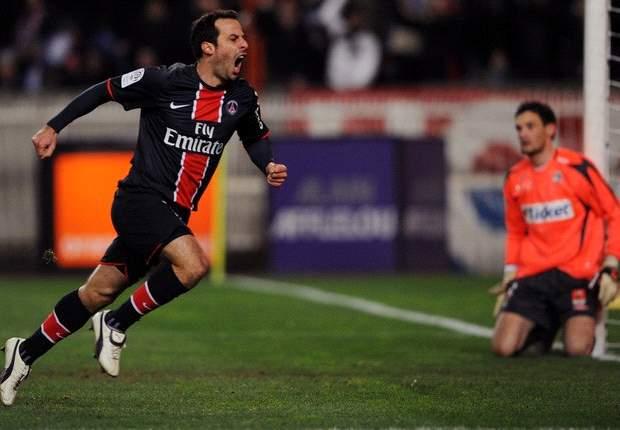 Ludovic Giuly, ex del Barcelona, confirma su fichaje por el Lorient de Francia