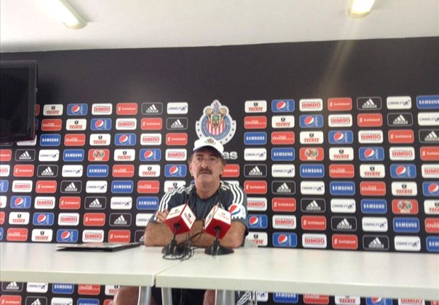 Chivas fires coach Ricardo La Volpe