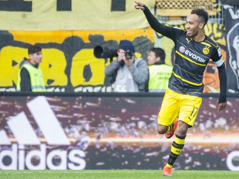 Ingosltadt-Borussia Dortmund (3-3), Dortmund échappe au pire