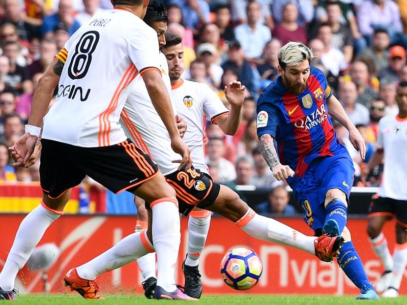 Valence - FC Barcelone 2-3, le Barça arrache la victoire sur le fil