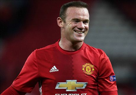 Rooney trolls Owen for Liverpool support