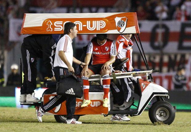 Teófilo Gutiérrez salió lesionado en los primeros minutos de la segunda parte, ayer en el Monumental.