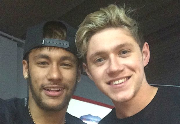 Neymar posa con Niall Horan, de One Direction