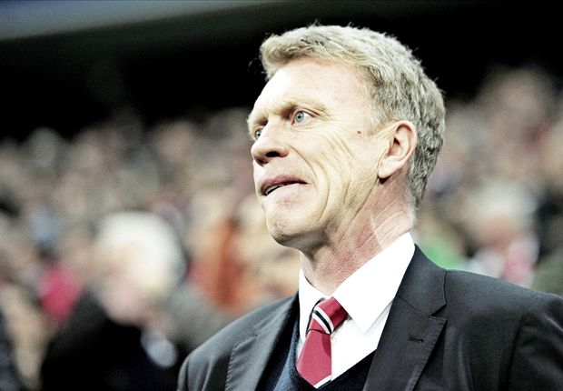 Gary Neville urges Manchester United to clarify Moyes future