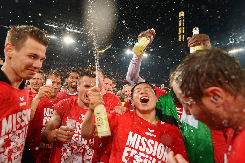 Der FC Köln feiert die Bundesliga