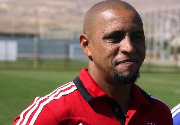 Roberto Carlos lauds Neymar 'genius'