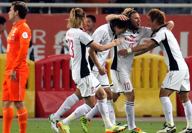 Shandong Luneng 1-2 Cerezo Osaka: Forlan, Kakitani send Japanese representatives to knockout stage