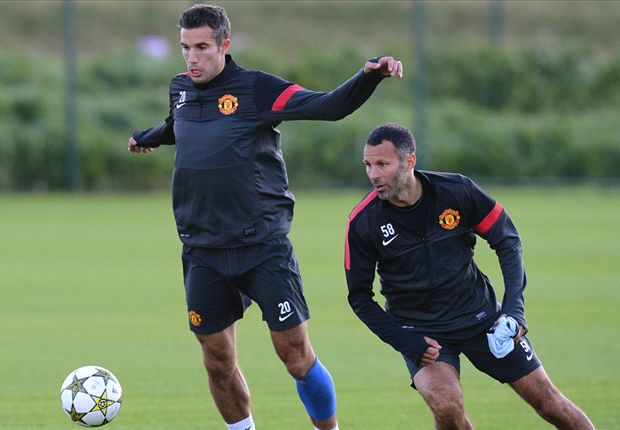 Van Persie returns to Manchester United training