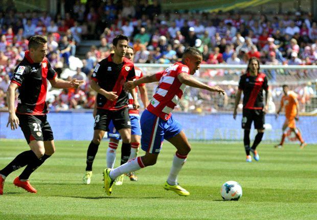 Granada 0 – 3 Rayo Vallecano: Brahimi y Larrivey complican la permanencia de los andaluces