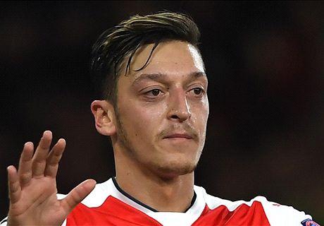 Wenger makes Ozil Ballon d'Or blunder