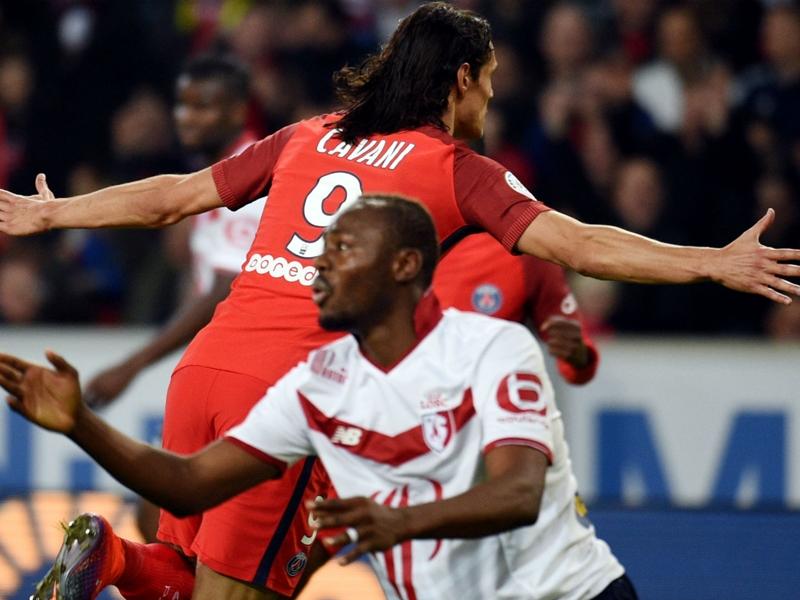 Lille-PSG 0-1: Cavani non brilla ma punisce
