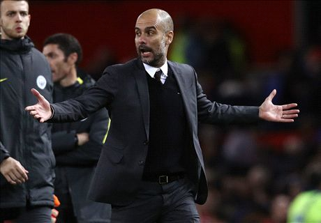 Guardiola aims dig at 'long ball' Man Utd