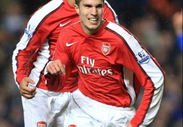 Van Persie At The Double As Arsenal Stun Chelsea